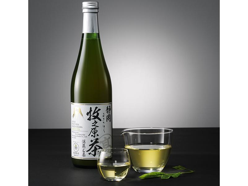 The finest Bottled Green Tea (Makinohara Shizuku-cha)